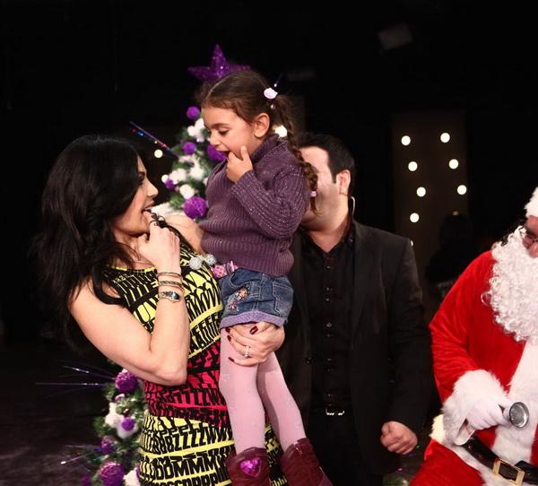 صور هيفاء وهبى 2012 هيفاء وهبى تحتفل براس السنة مع الاطفال فى برنامج سورى بس 20.jpg
